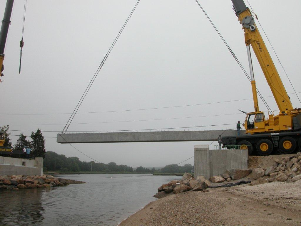 275 ton crane service for bridge truss